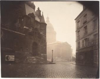 Eugène_Atget,_Rue_de_la_Montagne-Sainte-Geneviève,_1924